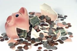 broken piggy bank -wipe savings